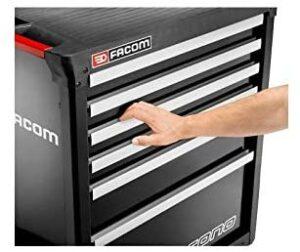 Servante Facom Chrono 7GM3APB avec main qui ouvre un tiroir